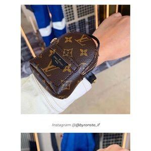 Louis Vuitton LVLXLOL wrist backpack!